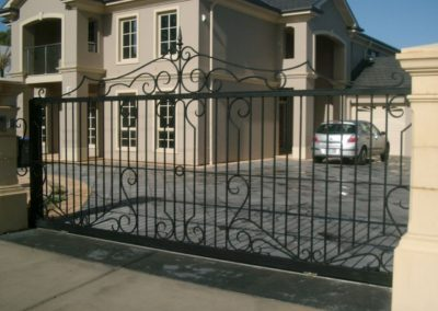 contemporary-design-double-driveway-gates-self-opening-sliding-gates