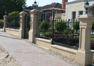 victorian-style-heritage-fence-with-automated-driveway-gates-speared-fence-single-entrance-gate-with-intercom-and-pillars-featuring-victorian-style-lights-installed-on-top