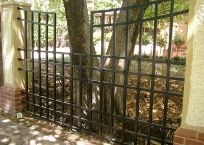 original-design-steel-fence-with-gatekeeper-style-and-panels-built-around-a-heritage-significant-tree